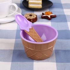 Couples kids ice cream