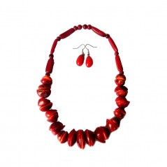 Collar Y Aretes De Brillante Rojo Oscuro Hechos De Tagua